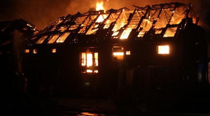 Großbrand in Suhlendorf – Tischlerei steht in Flammen