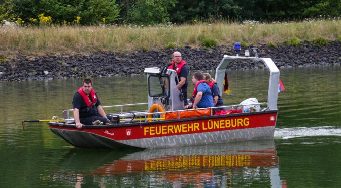 Großaufgebot von Feuerwehren, Rettungsdienst und Polizei bei Personensuche am Elbe-Seitenkanal