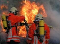 Feuerwehrkameraden im Einsatz