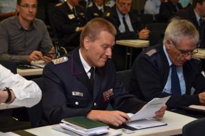 Der Ebstorfer Feuerwehr-Pressesprecher Tom Reher (Mitte) als Teilnehmer des Bundesfachkongresses vom Deutschen Feuerwehrverband in Berlin.