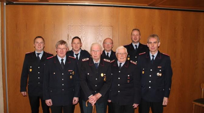 Jahreshauptversammlung Feuerwehr Hohenbünstorf – Ehrungen für 75, 70, 50 und 40 Jahre Dienst in der Feuerwehr