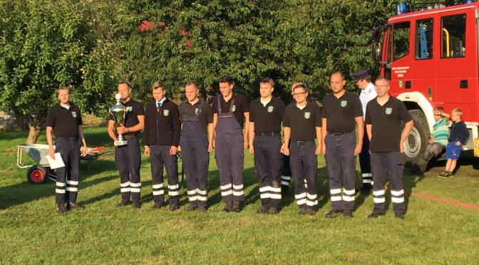 Feuerwehren probten für bevorstehende Kreisleistungswettbewerbe