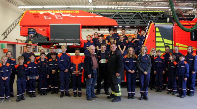 Bevensener Werbegemeinschaft unterstützt Feuerwehrnachwus