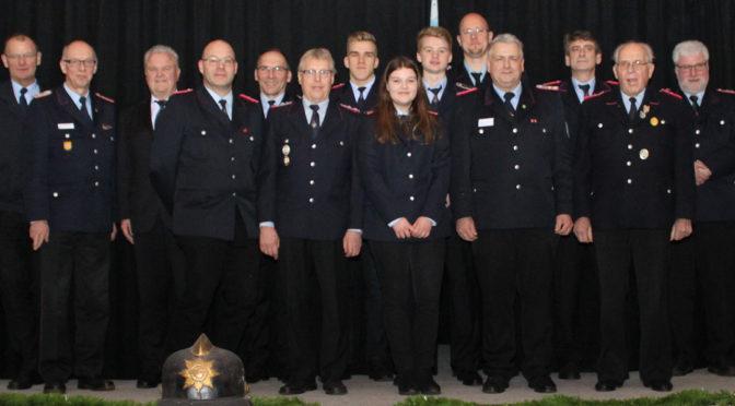 Jahreshauptversammlung in Eddelstorf – Ehrung für 75 Jahre Feuerwehr