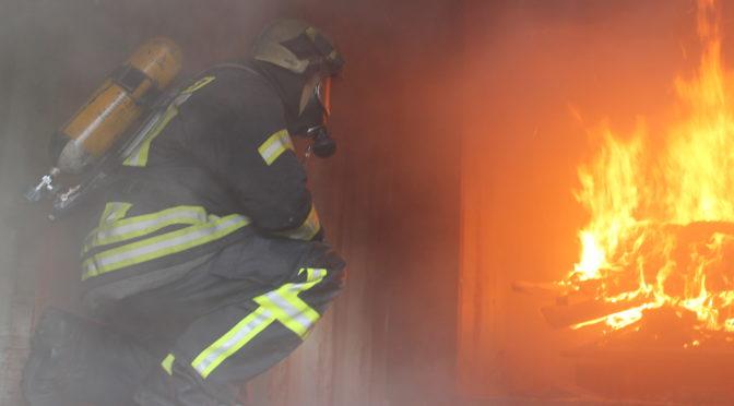 Brandübungsanlage des Landkreises zu Ausbildungszwecken an Feuerwehren übergeben