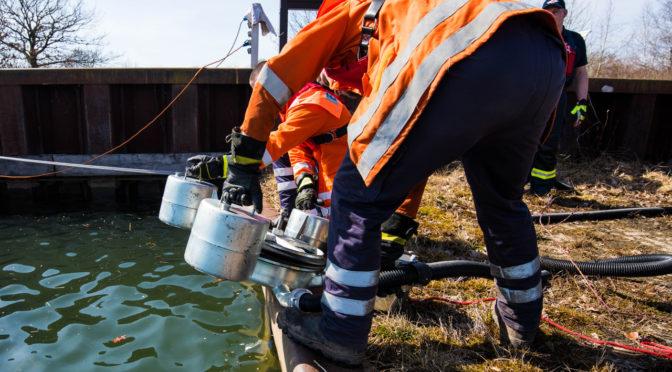 Alle drei Gefahrgutzüge des Landkreises Uelzen üben gemeinsam am Elbe – Seitenkanal