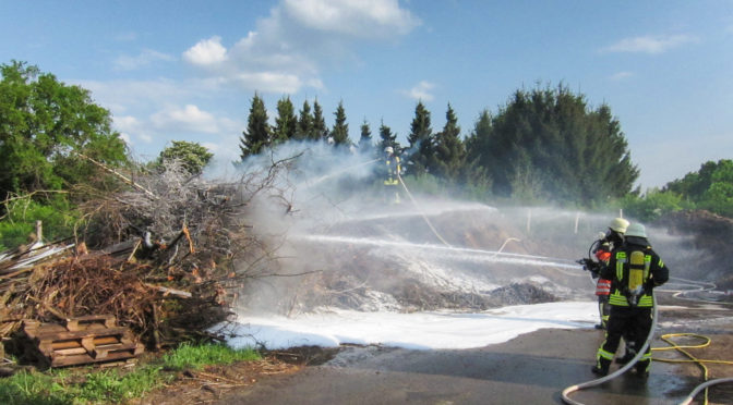 Feuer im Gewerbegebiet Wriedel-Schatensen