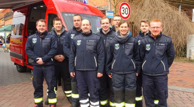 Einsatzkräfte der OrtsW Bienenbüttel freuen sich über neue Dienstbekleidung