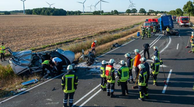 Schwerer Verkehrsunfall auf der B4 Ortsverbindung Tätendorf – Kirchweyhe