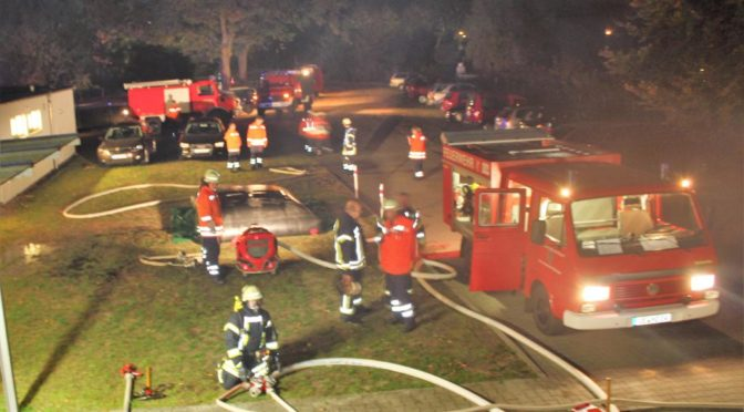 Feuerwehren aus Bienenbüttel bei Großübung gefordert