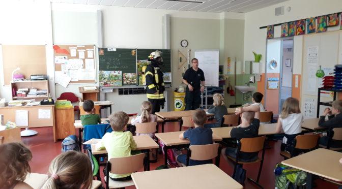 Evakuierung der Mühlenschule in Suhlendorf