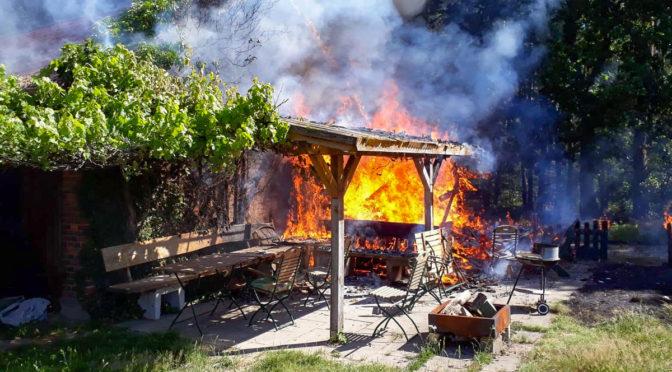 Feuer auf landwirtschaftlichem Gehöft bei Bad Bevensen