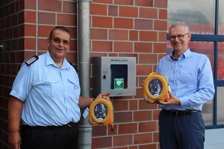 Feuerwehrtechnische Zentrale: Neue Defibrillatoren dienen auch Ausbildungszwecken